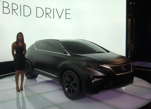 Lexus LF-Xh hybrid Concept - Foto 7 di 10
