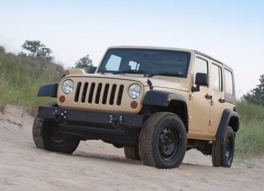 Ultimissime: Jeep J8 - Foto 4 di 6