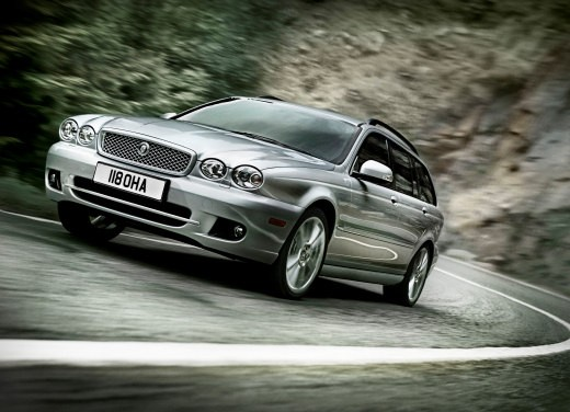 Ultimissime: Jaguar X-Type Facelift - Foto 1 di 12