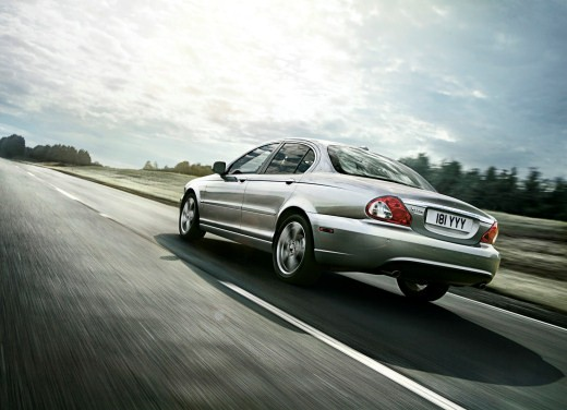Ultimissime: Jaguar X-Type Facelift - Foto 2 di 12