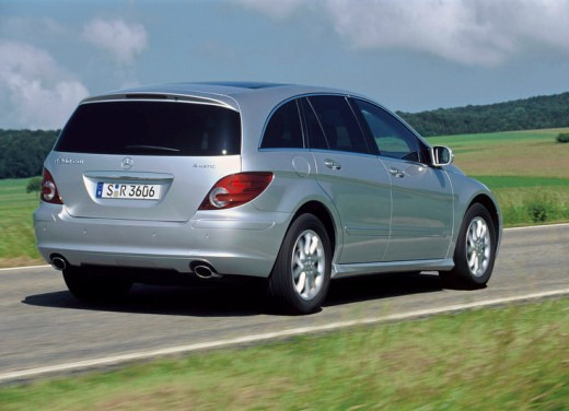 Mercedes nuova Classe R Test - Foto 4 di 11