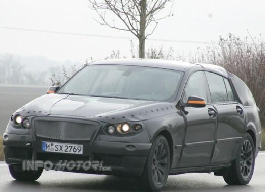 BMW V5 - Foto 1 di 10
