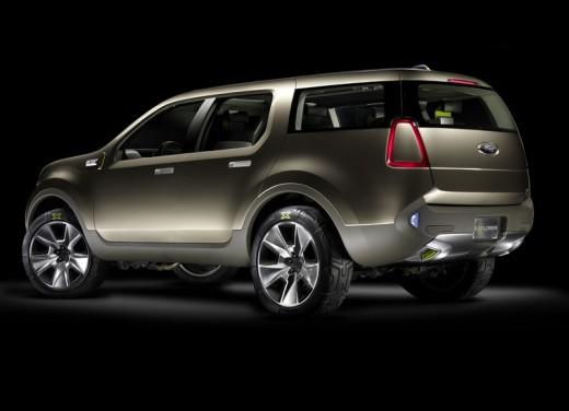 Ultimissime: Ford Explorer America Concept - Foto 13 di 13