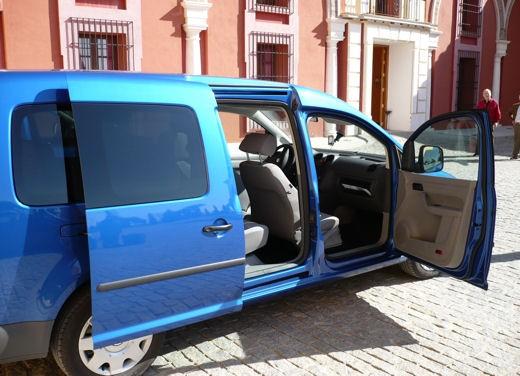 Volkswagen Caddy Maxi – Test Drive - Foto 10 di 12
