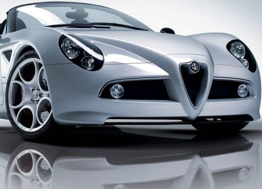 Alfa Romeo 8C Spider – foto ufficiali in vista dell'esordio a Ginevra - Foto 9 di 9