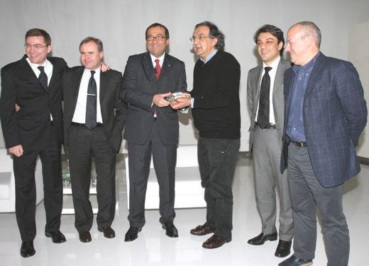 Marchionne ritira il premio Auto Europa 2008 - Foto 2 di 3