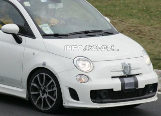 Nuova Fiat 500 Abarth – spy - Foto 6 di 40