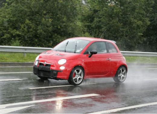 Nuova Fiat 500 Abarth – spy - Foto 23 di 40