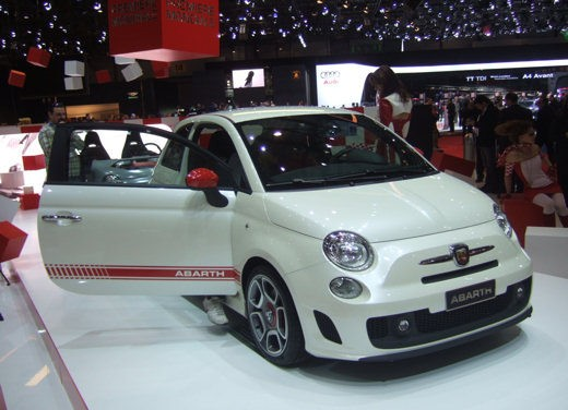 Nuova Fiat 500 Abarth – spy - Foto 35 di 40