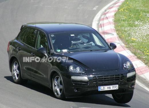 Nuova Porsche Cayenne - Foto 2 di 13
