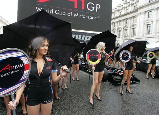 A1GP Regent Street Grid Girls - Foto 1 di 30