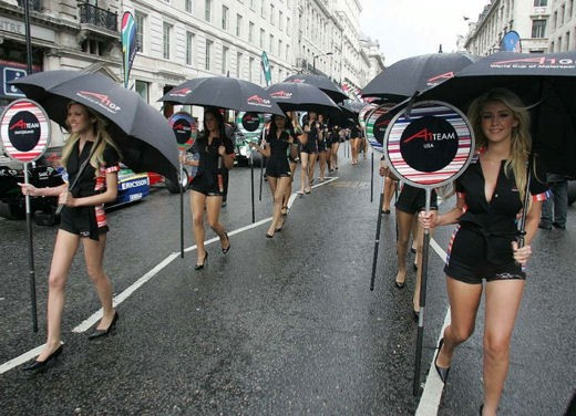 A1GP Regent Street Grid Girls - Foto 22 di 30