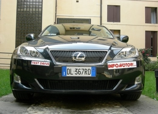 Lexus IS250 – Long Test Drive - Foto 1 di 41