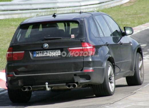 BMW X5 V8 biturbo, il reparto Motorsport mette in pista 400 CV - Foto 5 di 18