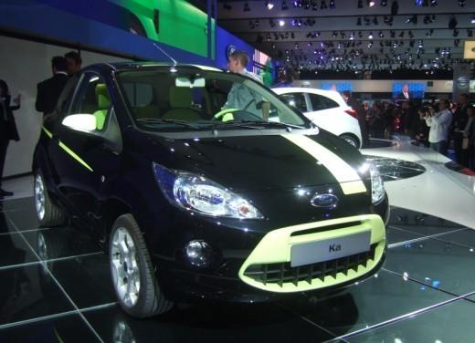 Nuova Ford Ka presentata al Salone di Parigi la piccola citycar - Foto 3 di 18
