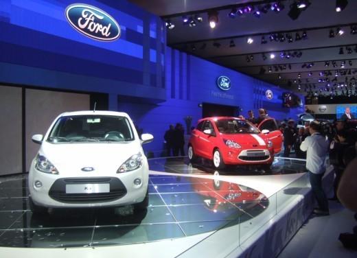Nuova Ford Ka presentata al Salone di Parigi la piccola citycar - Foto 10 di 18