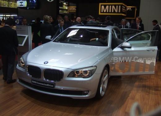 BMW Serie 7: immagini dal Salone dell'Auto di Parigi 2008 - Foto 4 di 15