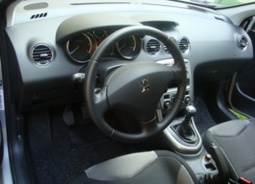Peugeot 308 – Long Test Drive - Foto 20 di 22