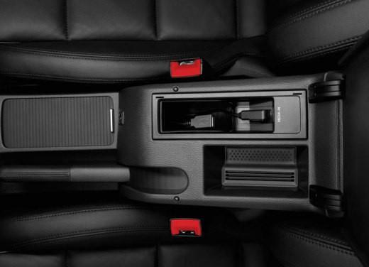 Focus ADV: Nuova Volkswagen Golf VI - Foto 11 di 21
