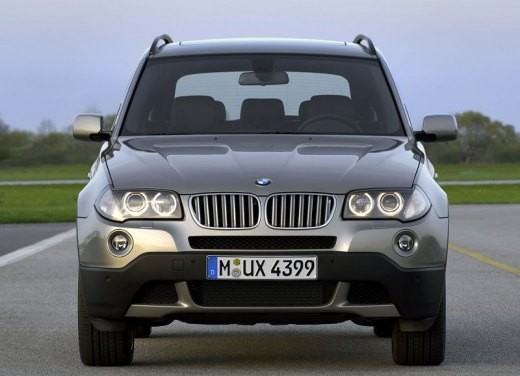 BMW X3 – Long Test Drive a bordo del SUV compatto di Monaco - Foto 1 di 15