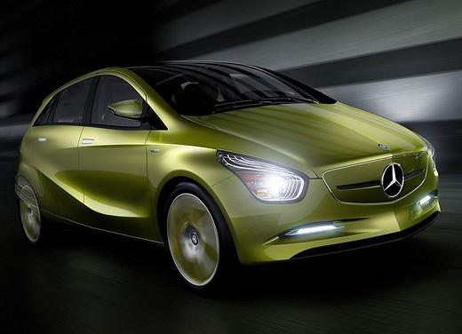 Mercedes BlueZero Concept - Foto 1 di 6