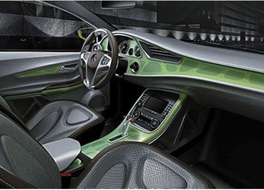 Mercedes BlueZero Concept - Foto 4 di 6