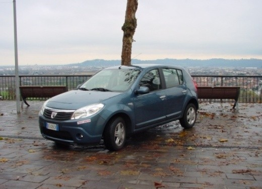 Dacia Sandero – Long Test Drive - Foto 2 di 40