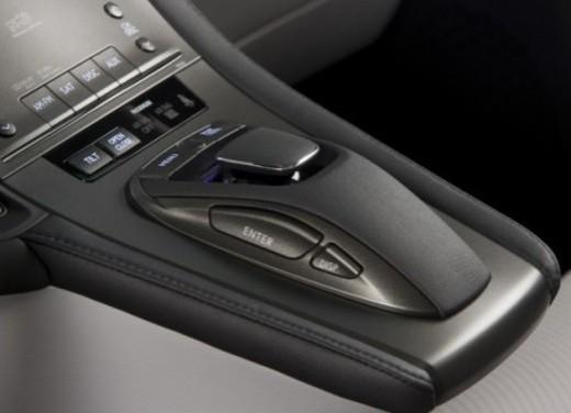 Lexus HS250h - Foto 16 di 21