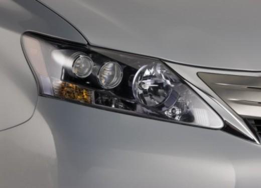 Lexus HS250h - Foto 20 di 21
