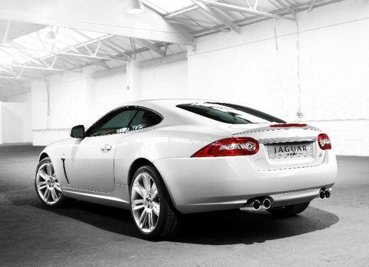 Jaguar XKR - Foto 2 di 26