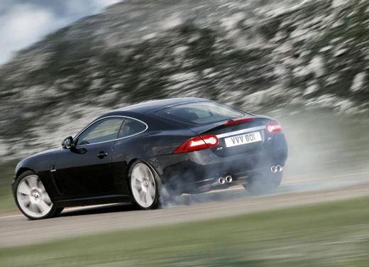 Jaguar XKR - Foto 10 di 26