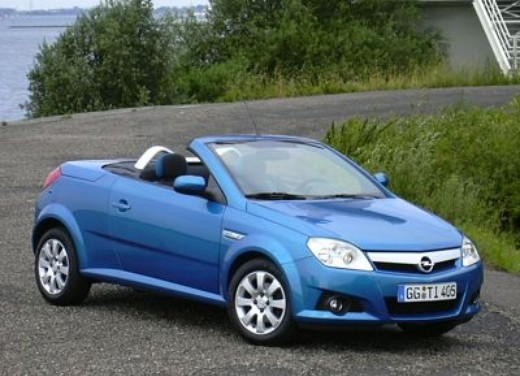 Opel Tigra Twin Top: Test Drive - Foto 5 di 8