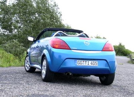 Opel Tigra Twin Top: Test Drive - Foto 6 di 8