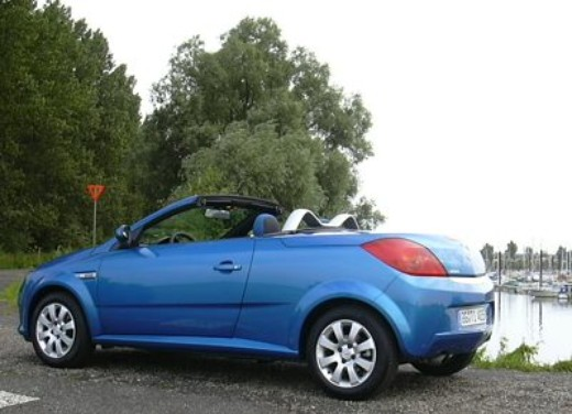 Opel Tigra Twin Top: Test Drive - Foto 7 di 8
