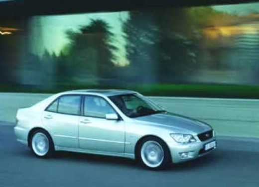 Lexus IS 300 berlina e SW - Foto 2 di 7