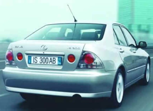 Lexus IS 300 berlina e SW - Foto 6 di 7