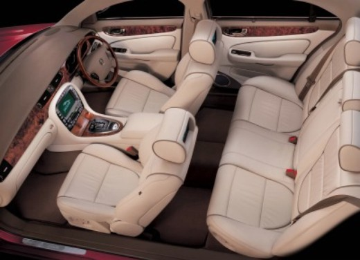 Jaguar XJ LWB - Foto 4 di 4
