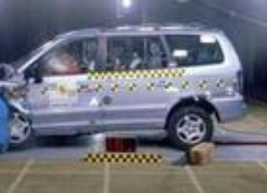 Crash test Hyundai Trajet