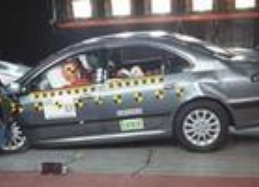 Crash test Peugeot 607