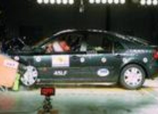 Crash test Renault Nuova Laguna