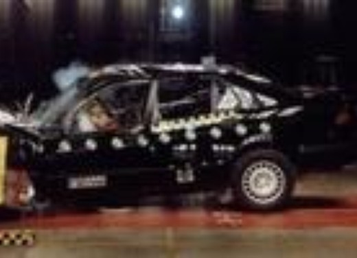 Crash test Saab 9-5 berlina