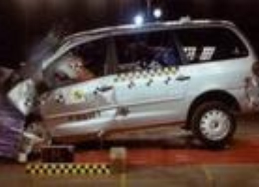 Crash test Volkswagen Sharan