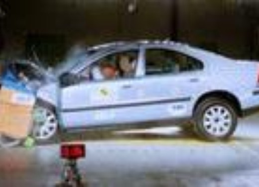 Crash test Volvo S60