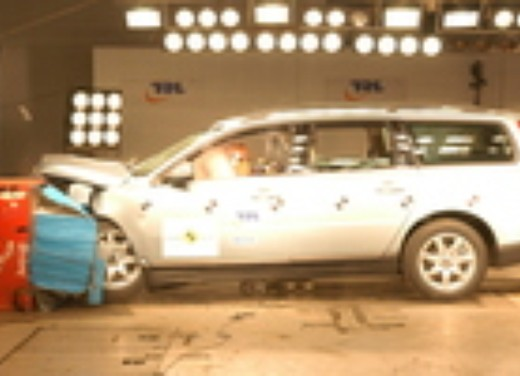 Crash test Volvo V70