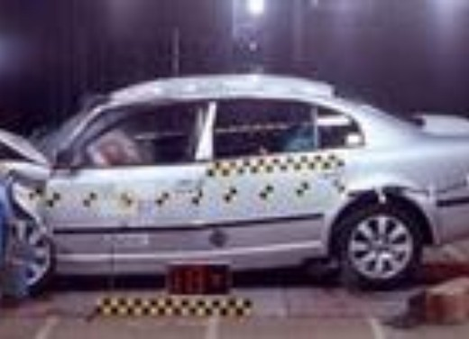 Crash test Skoda Nuova Superb