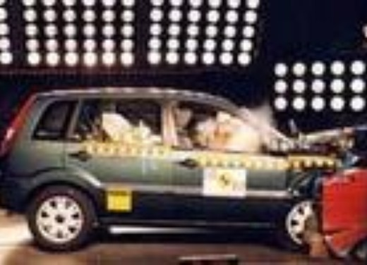 Crash test Ford Fusion