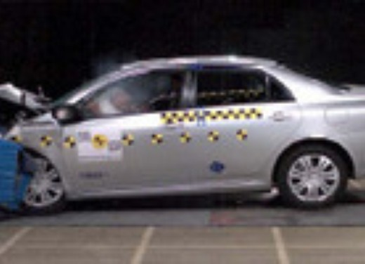 Crash test Toyota Corolla