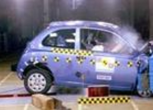Crash test Nissan Micra
