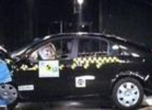 Crash test Nissan Primera berlina 5p