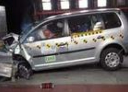 Crash test Volkswagen Touran